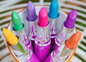 Tampil Percaya diri dengan Tipe Lipstik Favoritmu!