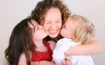 3 Cara Membangun Jalinan Kasih dengan Bayi sejak Dini