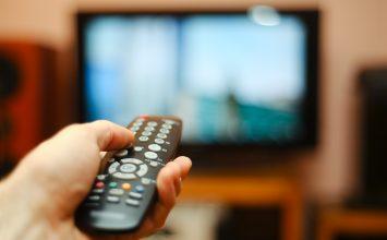 Kebiasaan Buruk saat Menonton TV bisa Sebabkan Obesitas