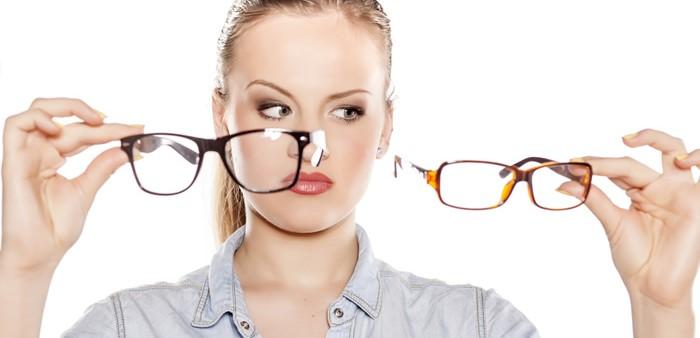 3 Tips Memilih Model Kacamata yang Pas Buatmu - linisehat.com 6e55d70973