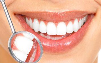 8 Makanan dan Minuman untuk Senyum yang Lebih Cemerlang