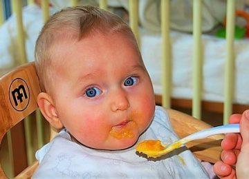 Pedoman Makan untuk Si Kecil yang Sedang Belajar Makan