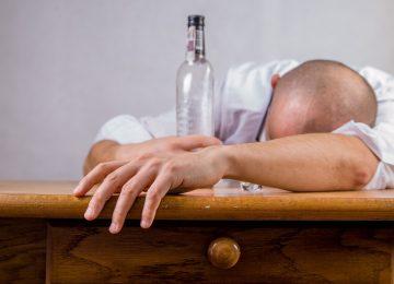 5 Bahaya Minuman Keras bagi Organ Vital Tubuh
