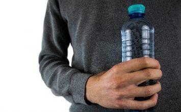 Benarkah Minum Air Alkali itu Bermanfaat bagi Tubuh? Cari Tau Di Sini!