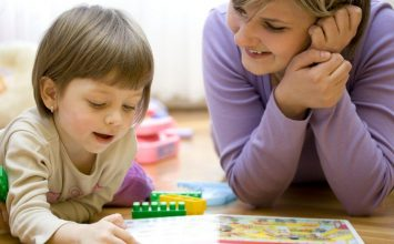 Kenali Keterlambatan Perkembangan Anak dari 5 Ranah Berikut