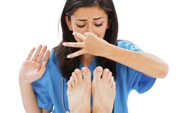 Coba 4 Tips Berikut buat Ngilangin Masalah Bau Kaki!