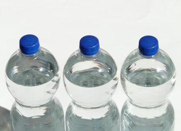 Isi Ulang Air di Botol Kemasan? Pikir-Pikir Ulang deh!