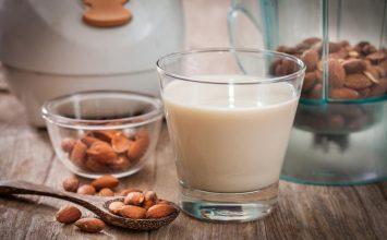 "3 ""Susu"" Alternatif untuk Penderita Lactose Intolerance"
