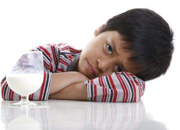 3 Penyebab Lactose Intolerance pada Anak