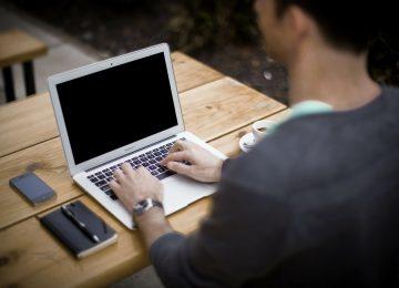 5 Tips Sehat Saat Bekerja dengan Komputer
