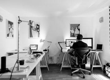 4 Kebiasaan Buruk saat Bekerja
