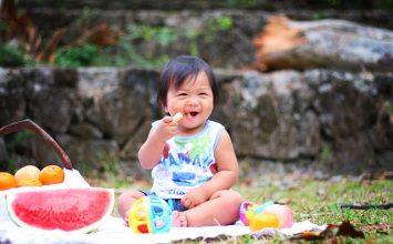 Yuk, Lakukan 4 Hal ini Agar Si Kecil Terbiasa Makan Sehat!