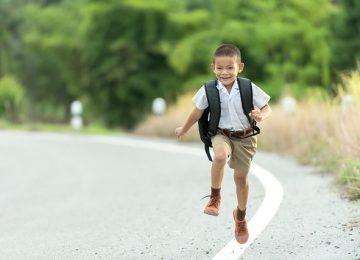 Baik ngga ya, Si Kecil Masuk Sekolah Lebih Awal?