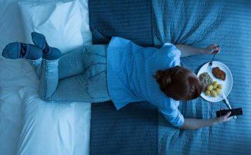Bahaya Makan Sebelum Tidur Malam, Apa Saja?