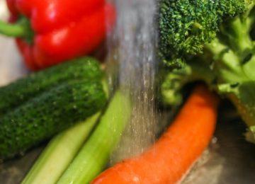 4 Tips Melarutkan Pestisida pada Sayur dan Buah!