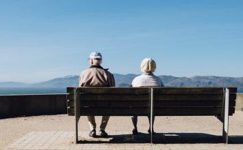 Ketahui Perbedaan Alzheimer dan Parkinson, serta Cara Mencegahnya!