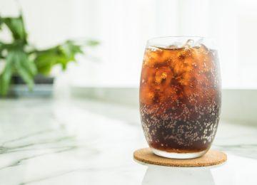 Benarkah Minum Soda Bisa Menyebabkan Penyakit Ginjal?